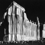 Elliott Erwitt, Germany. Berlin. 1995. &quot;Wrapped Reichstag&quot; by Christo and Jeanne-Claude.