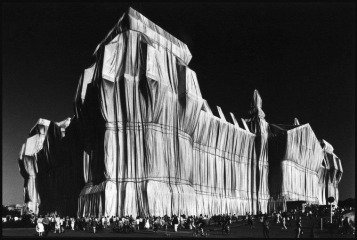 Germany. Berlin. 1995. &quot;Wrapped Reichstag&quot; by Christo and Jeanne-Claude., by &lt;a href=&#39;/site-admin/artists/artist/973&#39;&gt;Elliott Erwitt&lt;/a&gt;